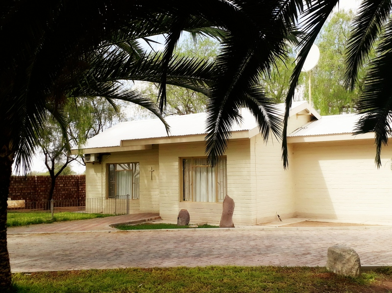 Buitepos accommodation Namibia: Luxury Bungalow